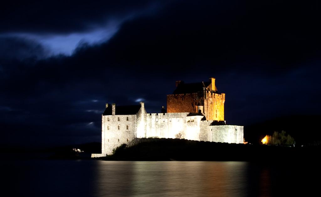 eilean-donan-castle-night